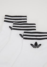 adidas Originals - 3 PACK - Socks - white/black - 2