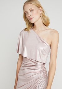 Adrianna Papell - Occasion wear - dusted petal - 5