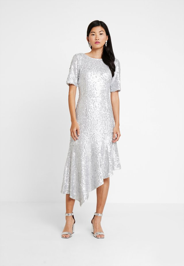 SEQUIN DRESS - Ballkjole - silver