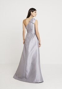 Adrianna Papell - MIKADO LONG DRESS - Robe de cocktail - silver - 3