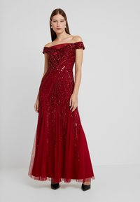 Adrianna Papell - BEADED OFF SHOULDER GOWN - Iltapuku - cranberry - 2