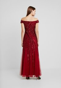 Adrianna Papell - BEADED OFF SHOULDER GOWN - Ballkjole - cranberry - 3