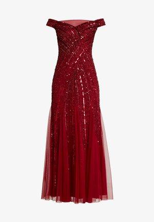 BEADED OFF SHOULDER GOWN - Společenské šaty - cranberry