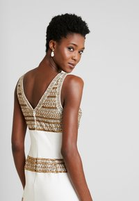 Adrianna Papell - BEADED LONG DRESS - Occasion wear - ivory/gold - 4