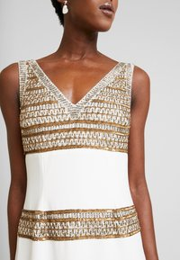 Adrianna Papell - BEADED LONG DRESS - Occasion wear - ivory/gold - 6