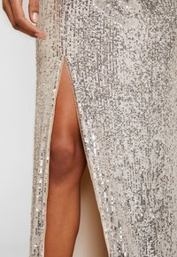 Adrianna Papell - SEQUIN DRAPED GOWN - Iltapuku - silver - 6
