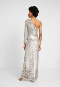 Adrianna Papell - SEQUIN DRAPED GOWN - Iltapuku - silver - 3