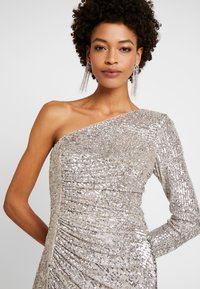 Adrianna Papell - SEQUIN DRAPED GOWN - Iltapuku - silver - 4