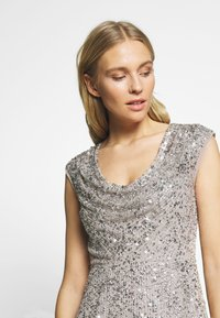 Adrianna Papell - LONG BEADED DRESS - Iltapuku - silver - 4