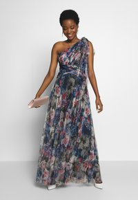 Adrianna Papell - SHIRRED PRINTED GOWN - Iltapuku - red/blue/multi - 1