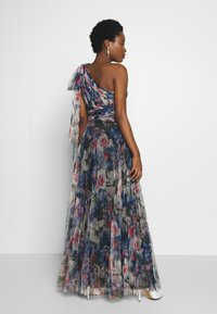 Adrianna Papell - SHIRRED PRINTED GOWN - Iltapuku - red/blue/multi - 2