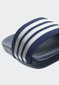 adidas Performance - ADILETTE CLOUDFOAM PLUS STRIPES SLIDES - Pool slides - blue - 8