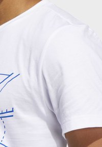 adidas Performance - FUTURE COURTS T-SHIRT - T-shirts med print - white - 5