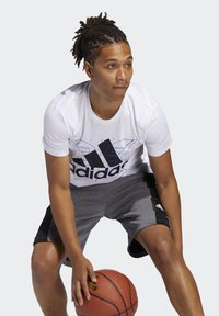 adidas Performance - FUTURE COURTS T-SHIRT - T-shirts med print - white - 2