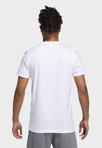 adidas Performance - FUTURE COURTS T-SHIRT - T-shirts med print - white - 1