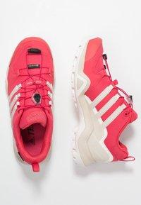 adidas Performance - TERREX SWIFT R2 GORE-TEX - Chaussures de marche - active pink/raw white/cloud white - 1