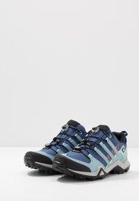 adidas Performance - TERREX SWIFT R2 GTX  - Hiking shoes - tech indigo/ash grey/green tint - 2