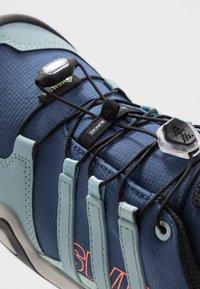 adidas Performance - TERREX SWIFT R2 GTX  - Hiking shoes - tech indigo/ash grey/green tint - 5