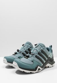 adidas Performance - TERREX SWIFT R2 GORE-TEX - Chaussures de marche - rawgreen/carbon/ashgreen - 2