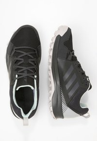 adidas Performance - TERREX TRACEROCKER GORE TEX - Obuwie do biegania Szlak - black/carbon/ashgreen - 1