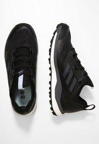 adidas Performance - TERREX AGRAVIC XT GORE TEX - Běžecké boty do terénu - core black/grey/ash green - 1