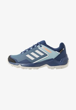 TERREX EASTRAIL GORE-TEX - Outdoorschoenen - tech indigo/grey two/signal coral