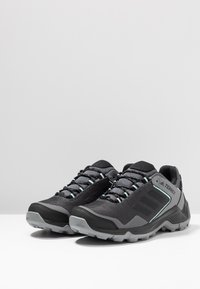 adidas Performance - TERREX EASTRAIL GORE-TEX - Hiking shoes - grey four/core black/clear mint - 2