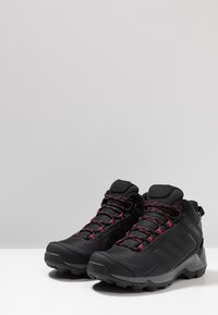 adidas Performance - TERREX EASTRAIL MID GORE-TEX - Chaussures de marche - carbon/core black/active pink - 2