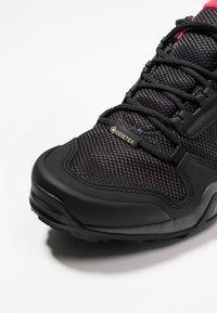 adidas Performance - TERREX AX3 GORE-TEX - Scarpa da hiking - carbon/core black/active pink - 5