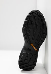 adidas Performance - TERREX AX3 GORE-TEX - Scarpa da hiking - carbon/core black/active pink - 4