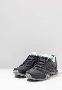 adidas Performance - TERREX AX3 HIKING SHOES - Obuwie hikingowe - grey five/clear black/clear mint - 2