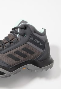adidas Performance - TERREX AX3 MID GORE-TEX - Hiking shoes - grey five/core black/clear mint - 5