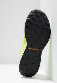 adidas Performance - TERREX AGRAVIC BOA TRAIL RUNNING SHOES - Zapatillas de trail running - ash grey/solar yellow/core black - 4