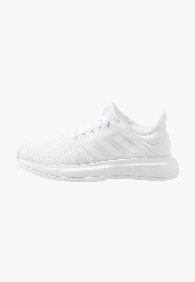 adidas Performance - GAMECOURT - Massakentän kengät - footwear white/blue tint