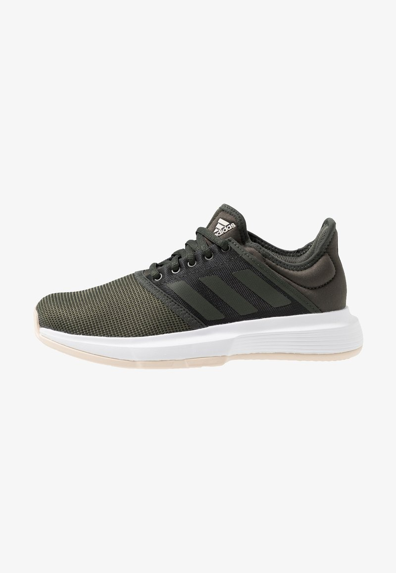 adidas Performance - GAMECOURT - Clay court tennis shoes - oliv