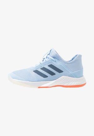 ADIZERO CLUB - Clay court tennis shoes - glow blue/tech ink/hi-res coral
