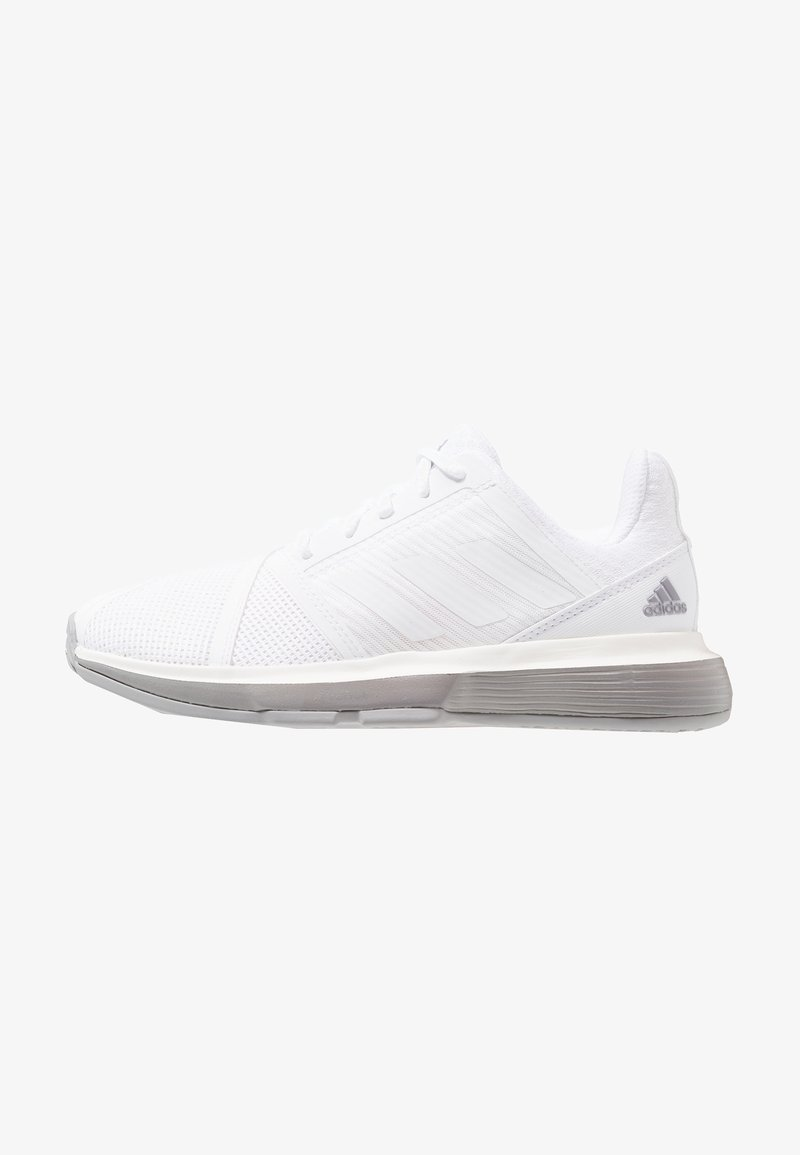 adidas Performance - COURTJAM BOUNCE - Tennissko til multicourt - footwear white/light granite