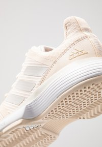 adidas Performance - COURTJAM BOUNCE - Multicourt tennis shoes - grey one/footwear white - 5