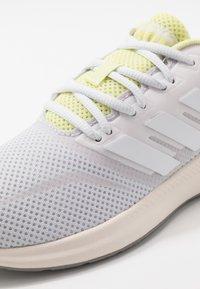 adidas Performance - RUNFALCON - Scarpe running neutre - dash grey/footwear white/yellow tint - 5