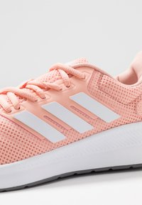 adidas Performance - RUNFALCON - Juoksukenkä/neutraalit - glow pink/footwear white/grey three - 5