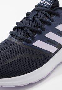 adidas Performance - RUNFALCON - Obuwie do biegania treningowe - legend ink/purple tint/footwear white - 5