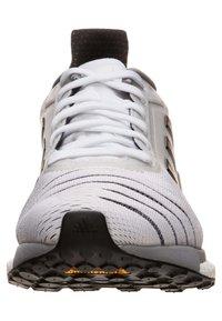 adidas Performance - SOLAR GLIDE W - Chaussures de running neutres - footwear white/core black/grey heather - 4