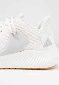 adidas Performance - ALPHABOUNCE RC 2 - Laufschuh Neutral - cloud white/silver metallic/grey one - 5