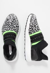 adidas by Stella McCartney - ULTRABOOST X 3D SPORT RUNNING SHOES - Neutrala löparskor - black-white/core white/solar green - 1