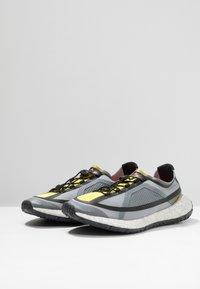 adidas by Stella McCartney - PUREBOOST HD SPORT RUNNING SHOES - Neutrální běžecké boty - iron metallic/vivid yellow/solar orange - 2
