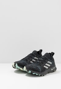 adidas Performance - TERREX TWO PARLEY TRAIL RUNNING SHOES - Obuwie do biegania Szlak - core black/linen green/carbon - 2