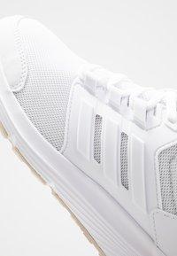 adidas Performance - GALAXY  - Juoksukenkä/neutraalit - footwear white/raw white - 5