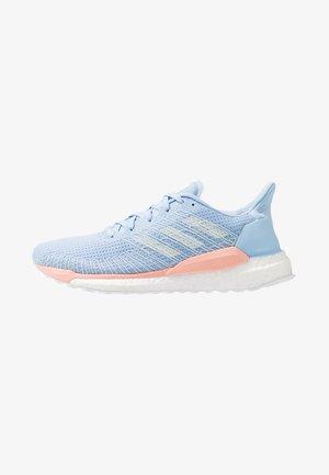 SOLAR BOOST 19 - Hardloopschoenen neutraal - glow blue/blue tint/glow pink