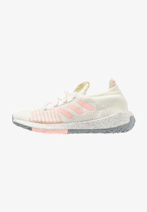 PULSEBOOST HD - Neutral running shoes - white/glow pink/orchid tint
