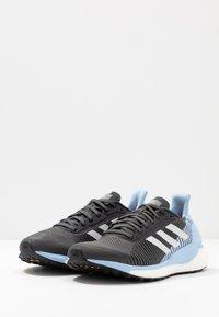 adidas Performance - SOLAR GLIDE ST 19 - Zapatillas de running neutras - grey six/grey one/glow blue - 2